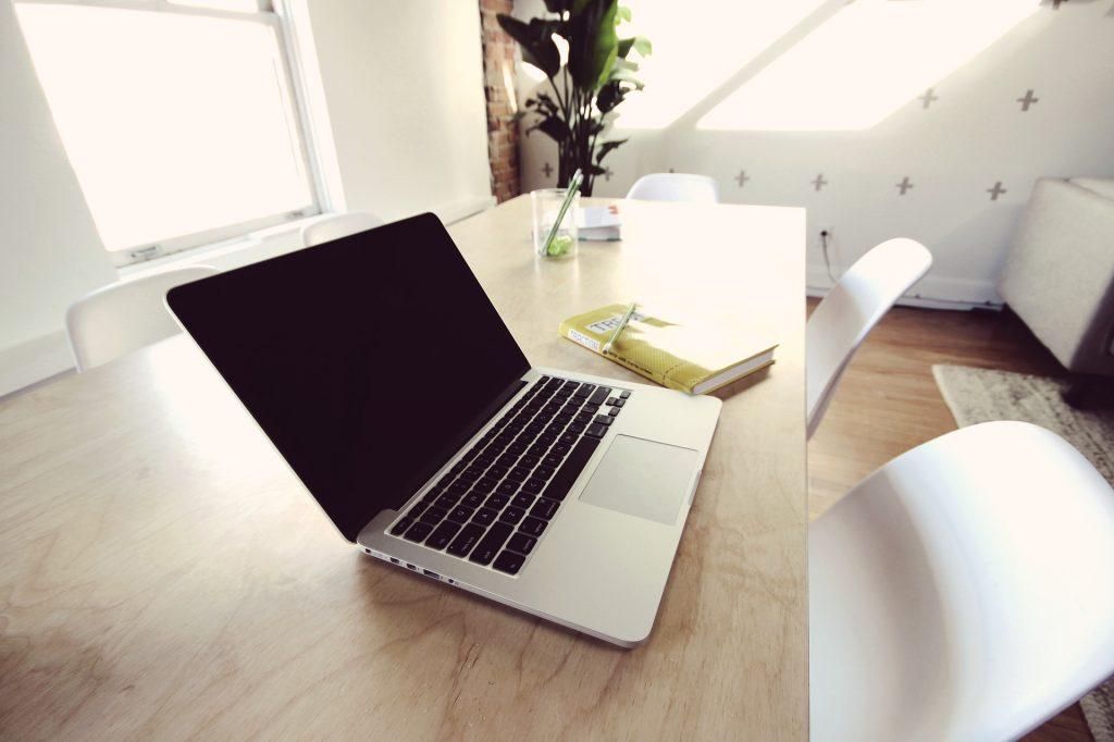 Pienyrityksen tietotekniikkahankinnat: Osa 1 – Tietokone